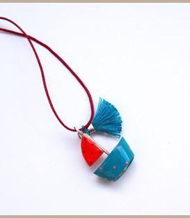Χειροποίητο κολιέ καραβάκι με κόκκινο πανί (FI205)