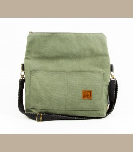 A medium-small unisex messenger bag (LD492)