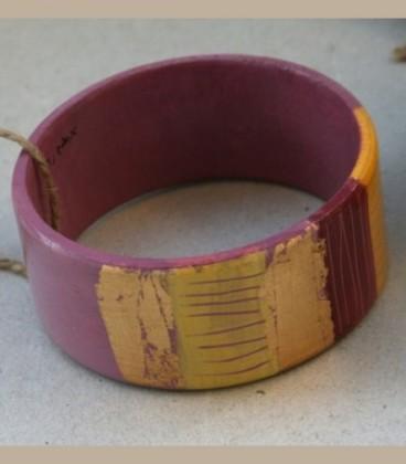 Ξύλινο βραχιόλι χειροποίητο με μοτίβα Γ