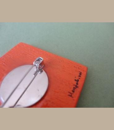 Ξύλινη χειροποίητη καρφίτσα πεταλούδα μωβ